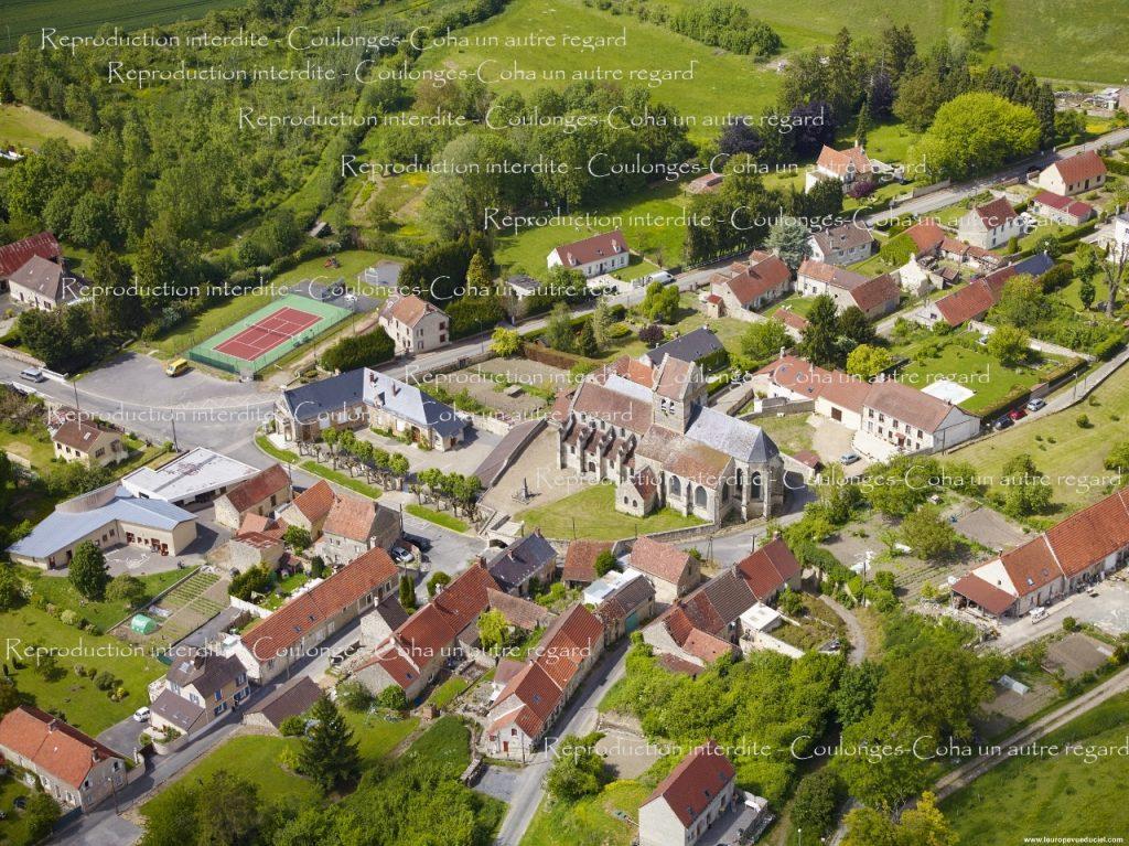 n°8 - Coulonges : Centre du village, école et église