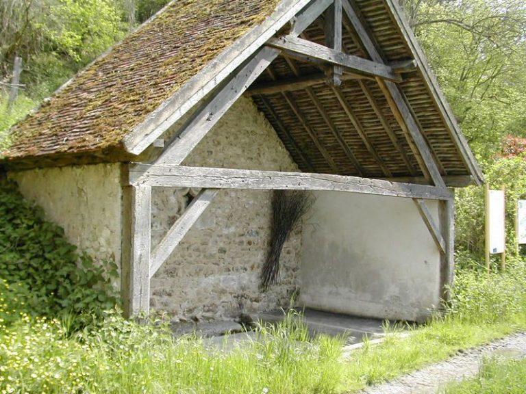 hameau de Cohan,en bas de l'Eglise circuit La fontaine